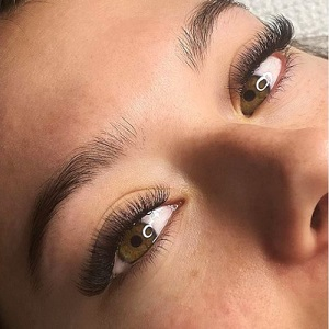 russian-medium-volume-eyelash-extensions-salon-newton-cbd-grey-lynn