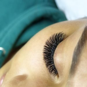dramatic russian volume eyelash extensions west east auckland